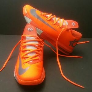 31988eb4513 Nike Shoes - NIKE KD 6 NYC